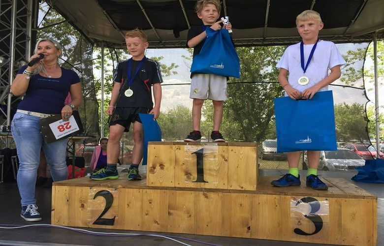 Race for Junior: Běžecký závod po vyznačené trase v nerovnoměrném terénu