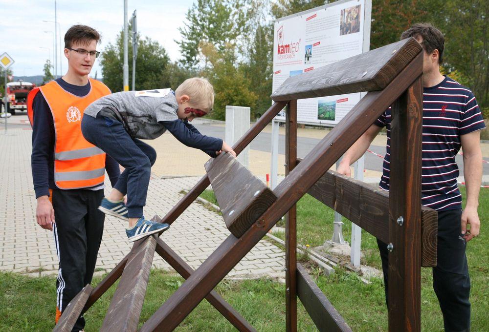 Běžecký-závod-pro-děti-za-podpory-Alfa-Omega-servisu-spol-ve-vojenském-muzeu-v-Rokycanech-pořadatel-spolek-Sport-Stars-zs-Plzeň