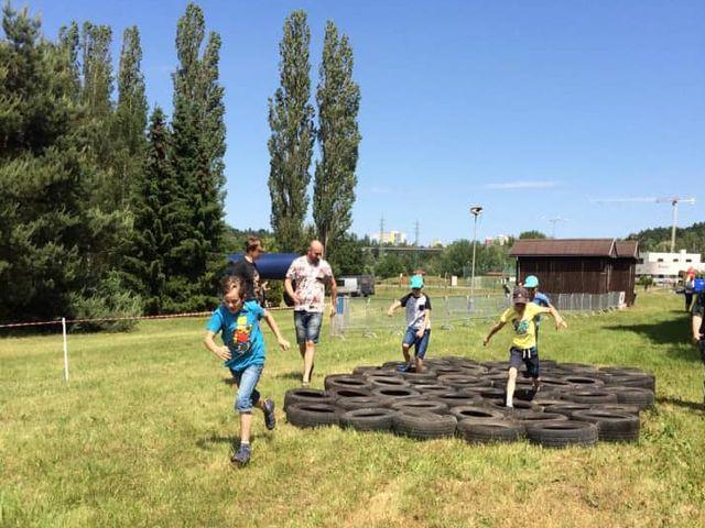 Děti s poruchou autistického spektra při svém závodě v rámci Škodaland race junior.