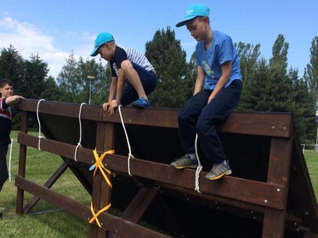 Překážkový závod ŠKODALAND RACE JINIOR a děti s poruchou autistického spektra